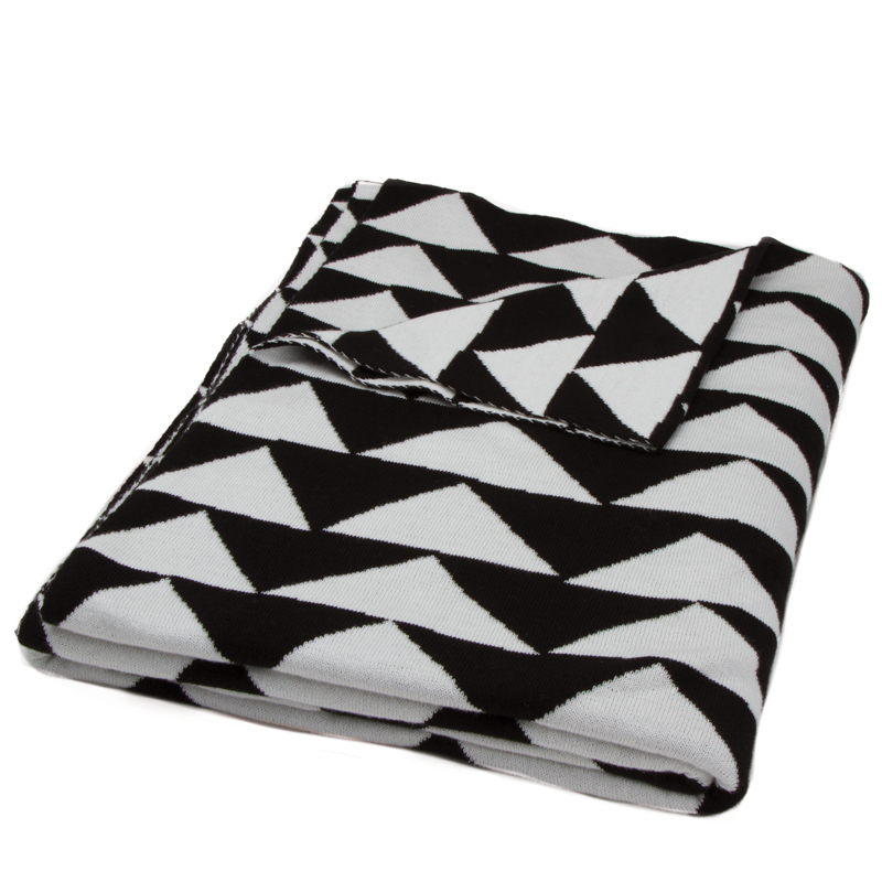 Black White Triangle Throw